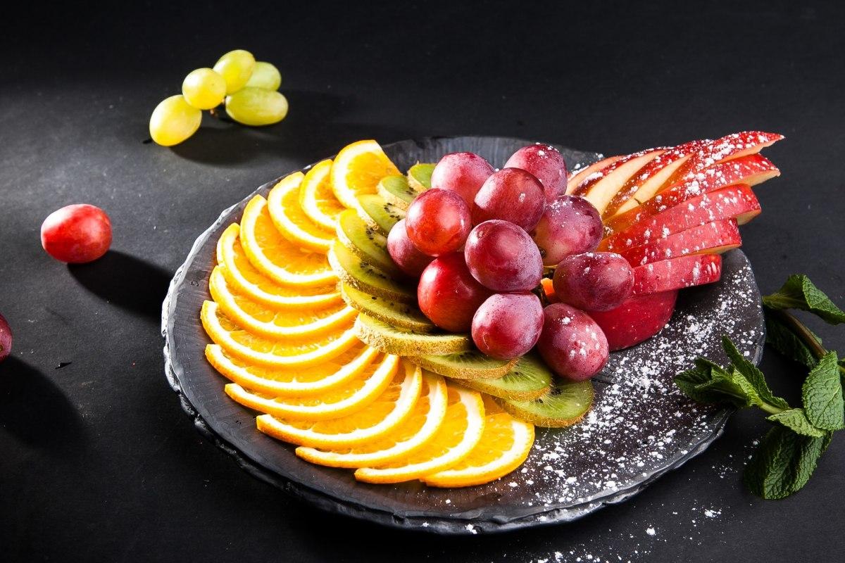 красивое фото фруктов в тарелке сих пор учёные